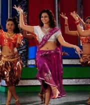 isha-chawla-hot-dance-photos-8