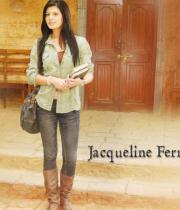 jacqueline-fernandez-hot-wallpapers-05