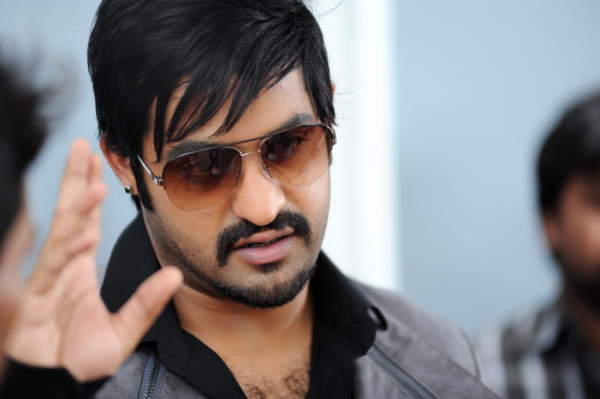jr-ntr-baadshah-latest-movie-stills-5