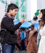 julayi-movie-stills-2_0