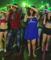 gunde-jaari-gallanthayyinde-movie-latest-hot-photos-1178