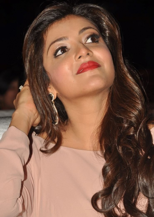 kajal-agarwal-at-tollywood-channel-launch-16