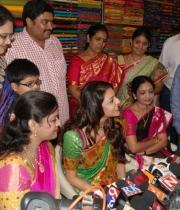 kajal-launch-srinikethan-shopping-mall-16