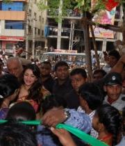 kajal-launch-srinikethan-shopping-mall-2