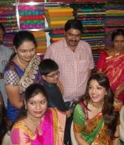 kajal-launch-srinikethan-shopping-mall-20