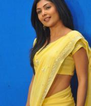 kamalini-mukherjee-latest-pics-13