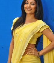 kamalini-mukherjee-latest-pics-16