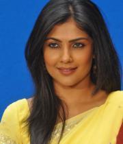 kamalini-mukherjee-latest-pics-17