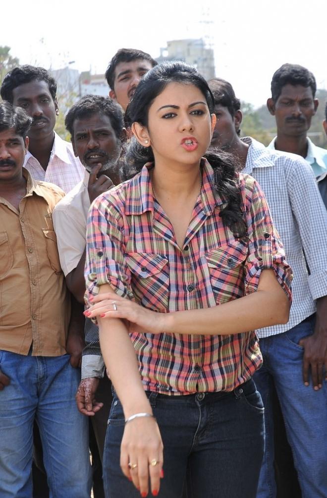 kamna-jethmalani-latest-hot-pics-4