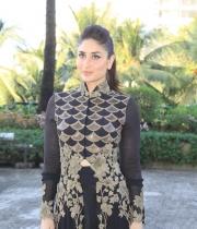kareena-kapoor-latest-photos-11