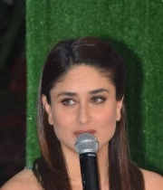 kareena-kapoor-launches-tetley-green-tea-7