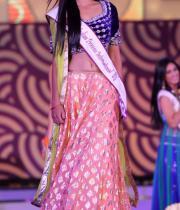 karishma-kapoor-at-indian-princess-finale-14