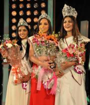 karishma-kapoor-at-indian-princess-finale-18