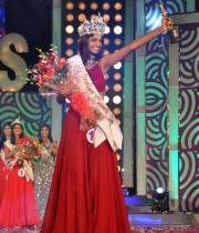 karishma-kapoor-at-indian-princess-finale-19