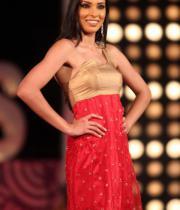 karishma-kapoor-at-indian-princess-finale-21