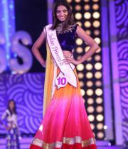 karishma-kapoor-at-indian-princess-finale-3