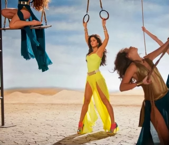 katrina-kaif-hottest-captures-in-dhoom-3-5