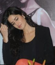 katrina-kaif-photos-at-dhoom-3-team-press-meet-6
