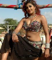 kausha-latest-hot-cleavage-show-photos-08