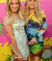 fergie-ashley-tisdale-kids-choice-awards-2013