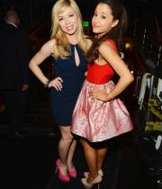 jennette-mccurdy-ariana-grande-kids-choice-awards-2013