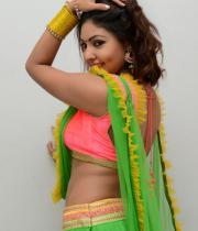 komal-jha-hot-navel-show-photos-10