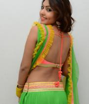 komal-jha-hot-navel-show-photos-12