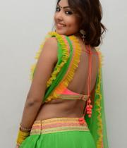 komal-jha-hot-navel-show-photos-13