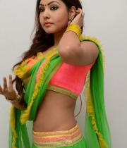 komal-jha-hot-navel-show-photos-14