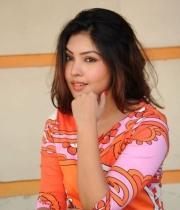 komal-jha-latest-hot-stills-photos-18