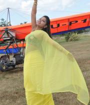 komal-jha-latest-saree-photos-23