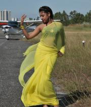 komal-jha-latest-saree-photos-24