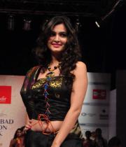 kriti-kharbandha-ramp-walk-at-hyderabad-fashion-week-2
