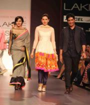 lakme-fashion-week-summer-day-2-14