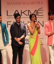 lakme-fashion-week-summer-day-2-16