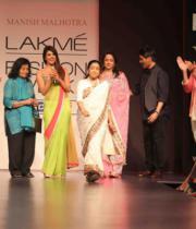lakme-fashion-week-summer-day-2-17
