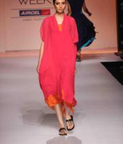 celebs-at-lakme-fashion-show-week-photos-day-1-07