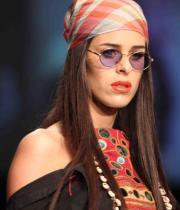 celebs-at-lakme-fashion-show-week-photos-day-1-09