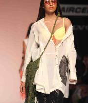 celebs-at-lakme-fashion-show-week-photos-day-1-10