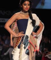 celebs-at-lakme-fashion-show-week-photos-day-1-12