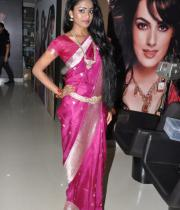 hot-girls-at-lakme-salon-make-up-event5