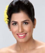 lakshmi-iyer-photoshoot-stills-_34_