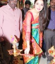 actress-lakshmi-rai-launches-shree-niketan-showroom_10