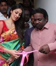 actress-lakshmi-rai-launches-shree-niketan-showroom_17