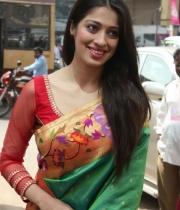 actress-lakshmi-rai-launches-shree-niketan-showroom_19
