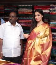 actress-lakshmi-rai-launches-shree-niketan-showroom_2