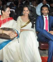 lootera-movie-first-look-launch-photostills-pictures-14_s_773