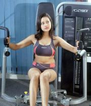 madalasa-sharma-hot-photos-in-gym-outfit-02