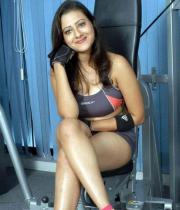 madalasa-sharma-hot-photos-in-gym-outfit-04