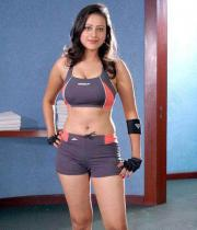 madalasa-sharma-hot-photos-in-gym-outfit-09